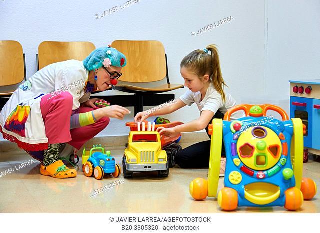 Clown playing with a girl, Plant for hospitalization of children, Pediatrics, Medical care, Hospital Donostia, San Sebastian, Gipuzkoa, Basque Country, Spain