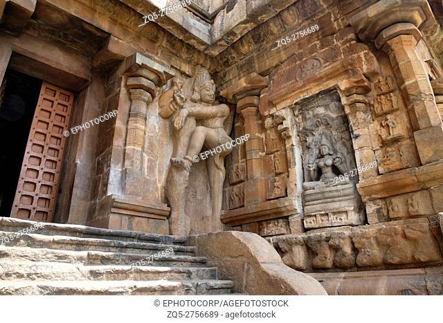 Gajalakshmi and dwarapala, southern niche of the central shrine, Brihadisvara Temple, Gangaikondacholapuram, Tamil Nadu, India