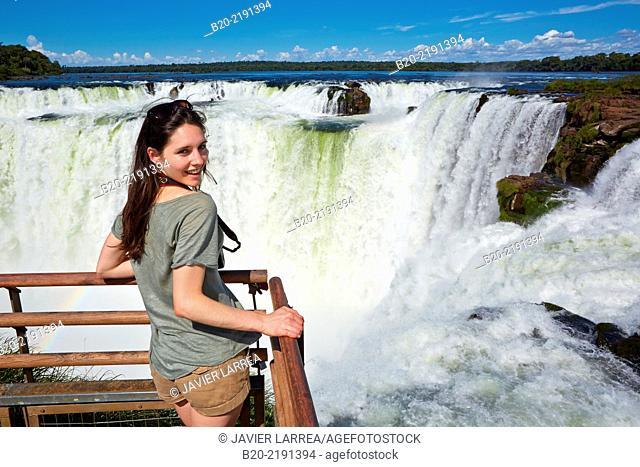 Young woman. Iguazú Falls. Iguazú National Park. Argentina/Brazil