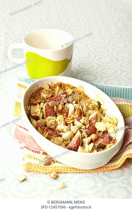 Fig and honey crumble with nuts