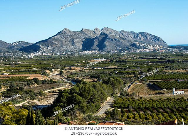 Sierra de Segaria and Girona river valley with orchards of orange trees, Benimeli, Marina Alta, Alicante province, Comunidad Valenciana, Spain