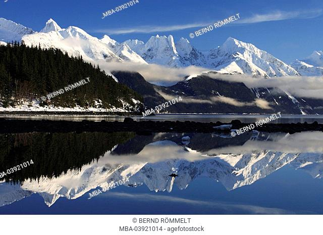 Canada, Alaska, Yukon Territory, Coast Mountains, lake,water-surface, reflection, winter, North America, mountain scenery, winter-landscape, mountains