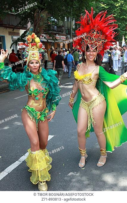 Germany, Berlin, Carnival of Cultures, brazilian women in costume