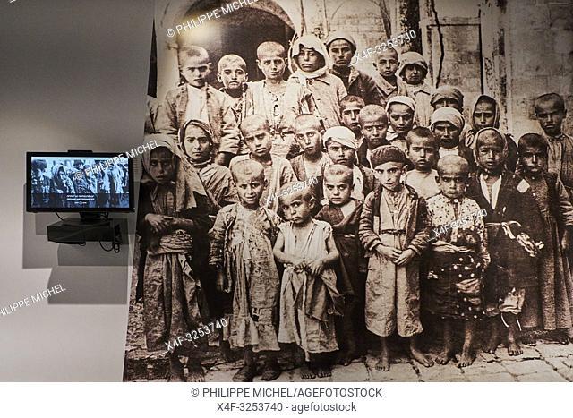 Armenie, Erevan, Memorial et musée du genocide armenien/ Armenia, Yerevan, Armenian Genocide Memorial and Museum