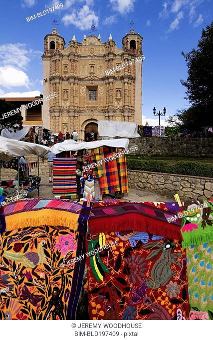 Artisan market and church of Santo Domingo