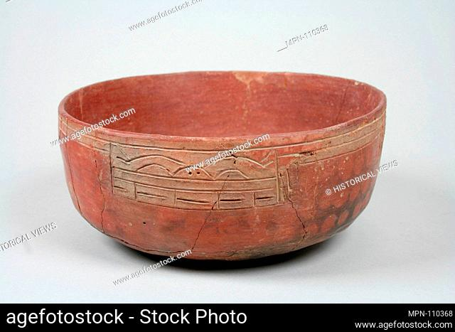 Incised bowl with animal motif. Date: 7th-5th century B.C; Geography: Peru; Culture: Paracas; Medium: Ceramic, pigment; Dimensions: Overall: 2 3/4 in