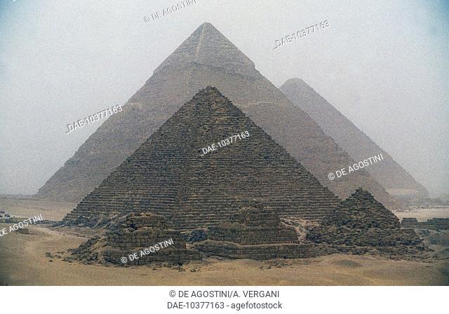 The Pyramids of Menkaure, Khafre and Khufu, Giza Necropolis (UNESCO World Heritage List, 1979), Egypt. Egyptian civilization, Old Kingdom, IV Dynasty