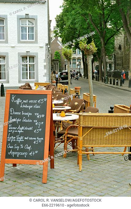 """Maastricht is wellknown for its """"""""café/terrace culture"""""""" Restaurant d'Artagnon in the neighbourhood of the Onze Lieve Vrouw Plein in the old city"""