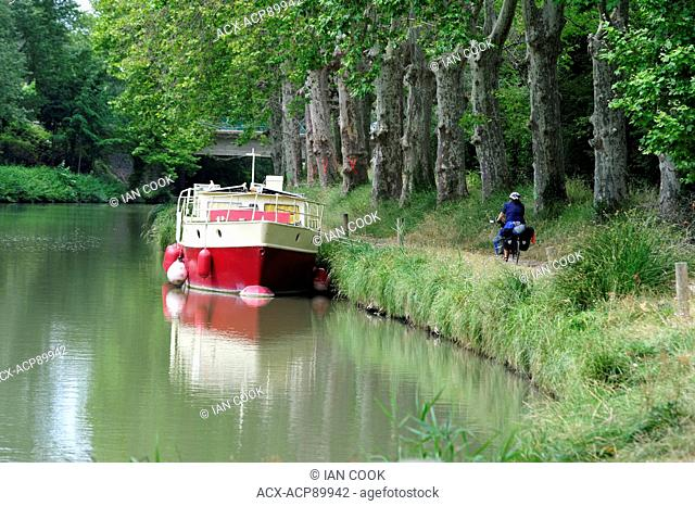 Canal du Midi near les neuf écluses, Herault Department, France