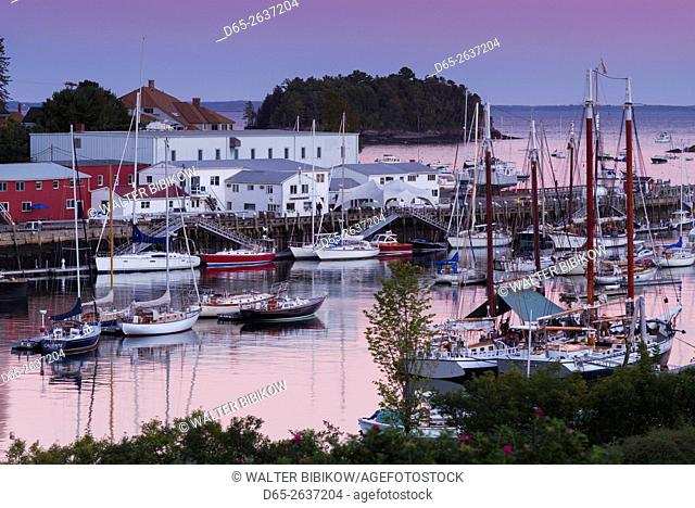 USA, Maine, Camden, Camden Harbor, dusk