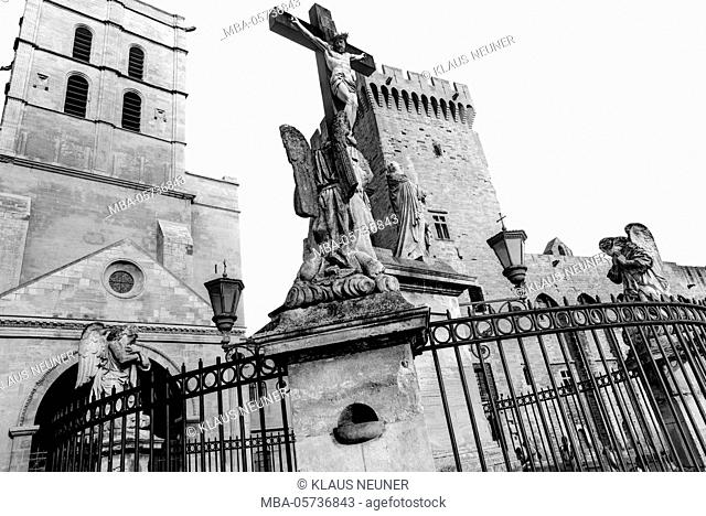 Christ's cross, pope's palace, Avignon, Provence, Vaucluse, Southern France, France, Europe