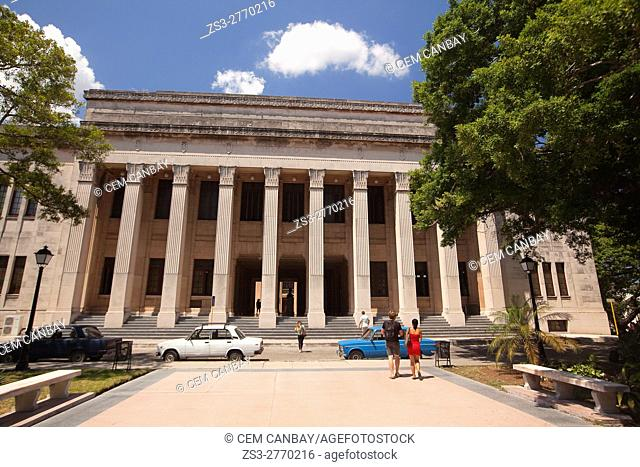 Students near the library building of the University of Havana, Vedado, Havana, La Habana, Cuba, West Indies, Central America