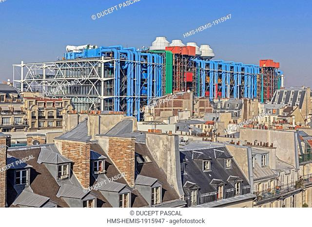 France, Paris, the Pompidou Center by the architects Renzo Piano, Richard Rogers and Gianfranco Franchini