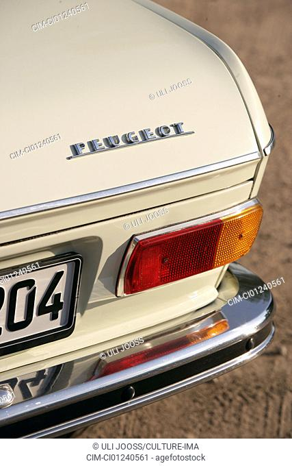 Peugeot 204, vintage car, model year 1965, detail, details, backlight, technics, technical, technically, accessory, accessories