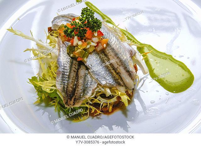 Pintxo de Anchoas marinadas sobre ensalada casera. Restaurante Boliña. Basque country, Spain