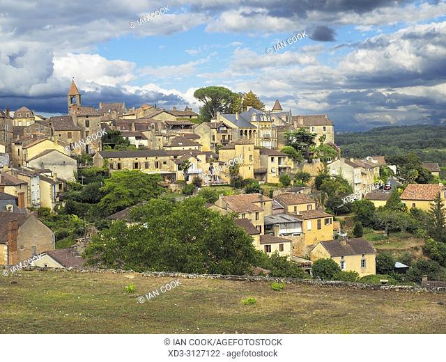 view of Belves from Avenue de Lieutenant Giffault, Dordogne Department, Nouvelle-Aquitaine, France