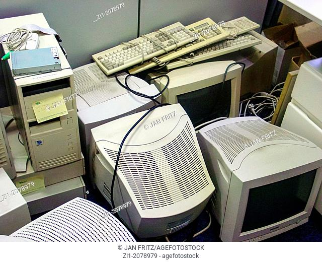 old computers and monitors, e-waste