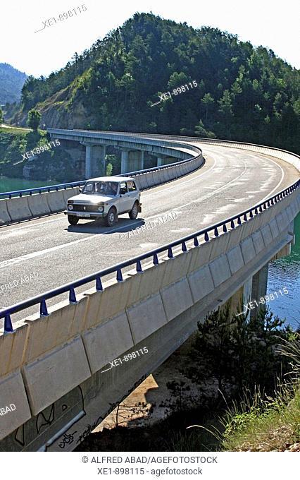 Viaduct, Llosa del Cavall reservoir. Solsones, Lleida province, Catalonia, Spain
