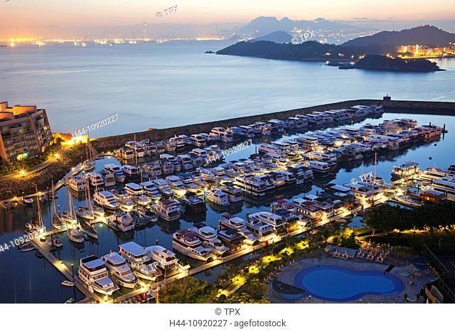 Asia, China, Hong Kong, Lantau, Discovery Bay, Waterfront, Marina, Marinas, Yachts, Yachting, Marinas, Boats, Boating, House Boats, Harbour, Harbours