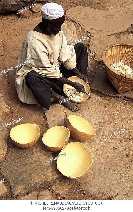 Dogon artisan, Sangha, Dogon Country, Mali