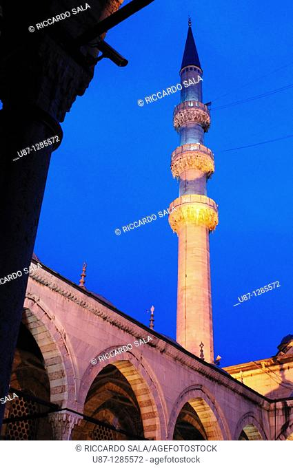 Turkey, Istanbul, The New Mosque or Mosque of the Valide Sultan at Night