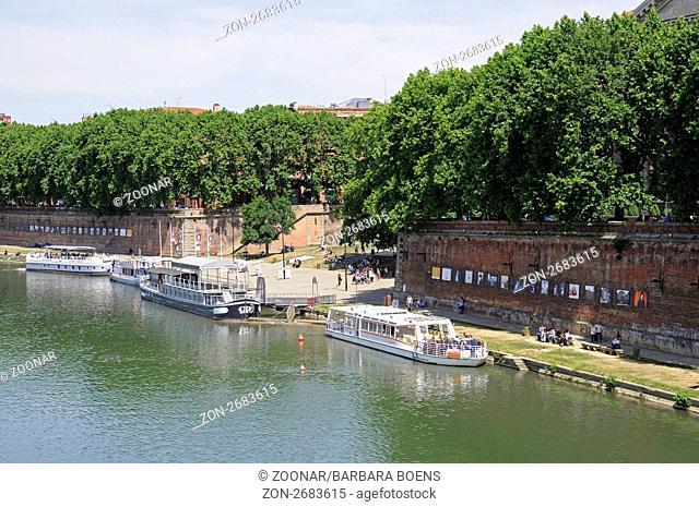 excursion boat, Garonne river, Toulouse, Department Haute-Garonne, Midi-Pyrenees, France, Europe, Ausflugsboot, Fluss Garonne, Toulouse