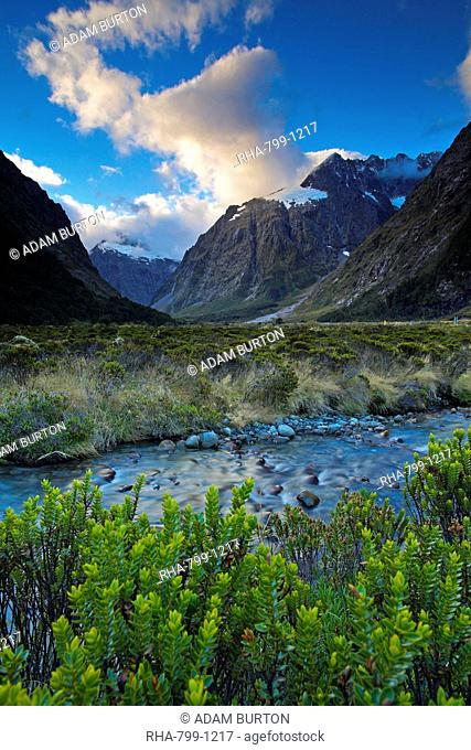Valley in Fiordland National Park, UNESCO World Heritage Site, South Island, New Zealand, Pacific