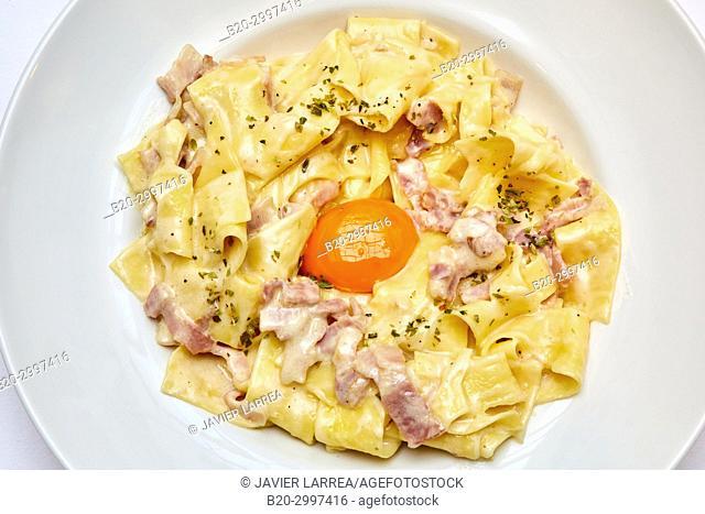Carbonara paste, Restaurante Bar Virginia Mendibil Menus & Fast Good, Irun, Gipuzkoa, Basque Country, Spain