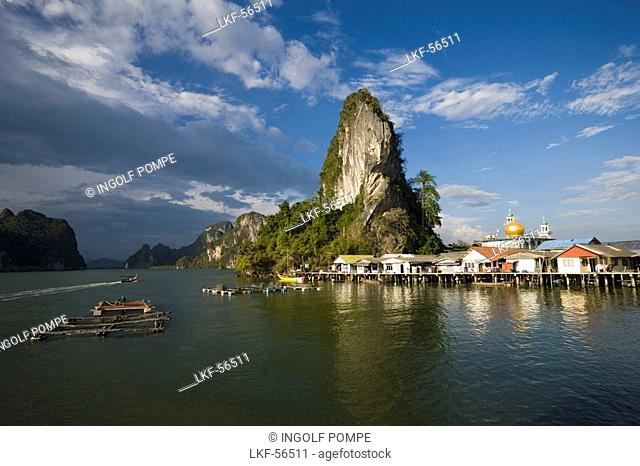 Longtail boat, view to Ko Panyi, Muslim fishing village, Phang-Nga Bay, Ao Phang Nga Nation Park, Phang Nga, Thailand