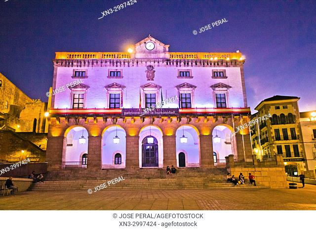 City Council of Cáceres, Town Hall, Ayuntamiento de Cáceres, Plaza Mayor, Old Town of Cáceres, medieval town, World Heritage City by UNESCO, Caceres City