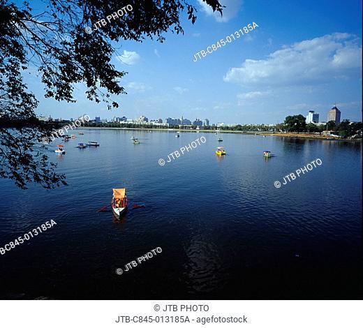 Nanhu Park, lake, Changchun, Jilin, China, Asia