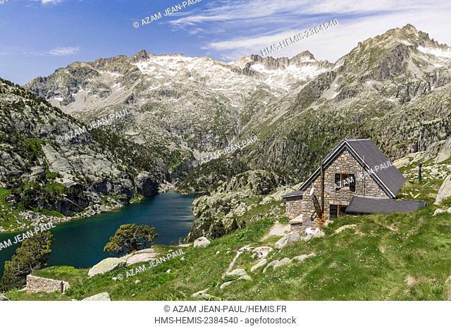 Spain, Catalonia, Val d'Aran, Arties, Aigüestortes i Estany de Sant Maurici National Park, Negre lake, Ventosa i Calvell refuge and Besiberri peak