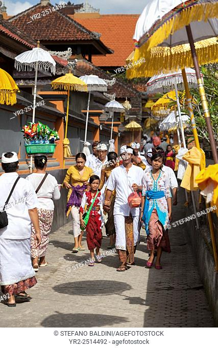 Celebrations during the festival of Kuningan at a temple in Mas near Ubud , Bali, Indonesia