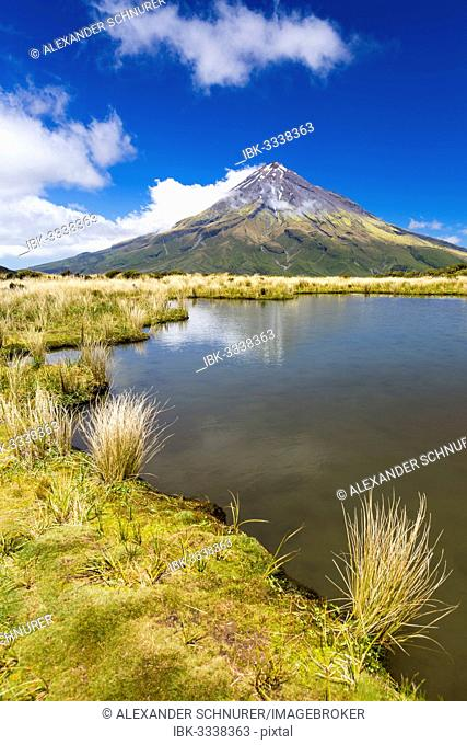 Mountain lake with the Mount Taranaki volcano, Pouakai Range, Egmont National Park, Taranaki Region, New Caledonia, New Zealand