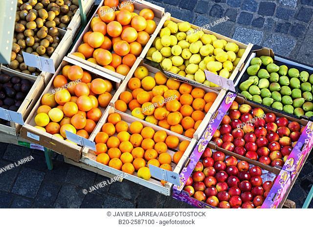 Market at Place des Lices Square, Rennes, Bretagne, Brittany, France