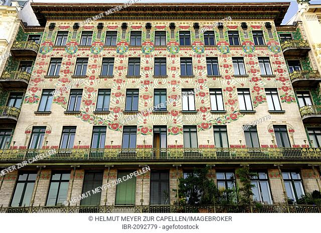 Majolikahaus, entire facade, Art Nouveau, 1898, by Kolo Moser, Linke Wienzeile 40, Left Vienna Row, famous apartment buildings by Otto Wagner, Vienna, Austria
