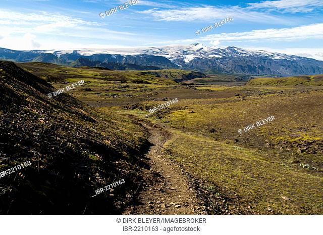 Hiking trail overlooking the Eyjafjallajoekull volcano, Laugavegur hiking trail, Emstrur-Þórsmoerk, Thorsmoerk, highlands, Iceland, Europe