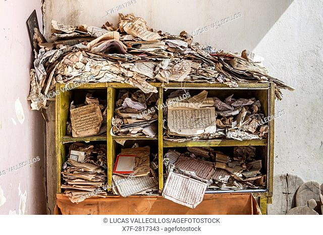 Bookshelf, in daara ( Koranic school), Mbour, Senegal