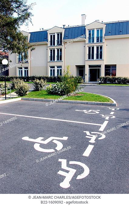 Relais Tendresse, nursing home for seniors, Bonnières-sur-Seine, Yvelines, Île-de-France, France