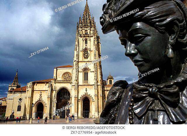 Oviedo Cathedral and the sculpture named La Regenta, Asturias, Spain. One of the stops of the Transcantabrico Gran Lujo luxury train