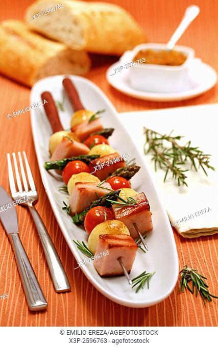 Turkey skewers with vegetables