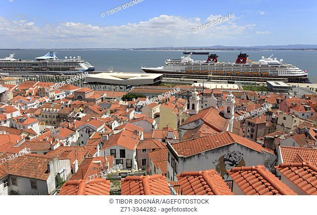 Portugal, Lisbon, Alfama, panoramic view, cruise ships,