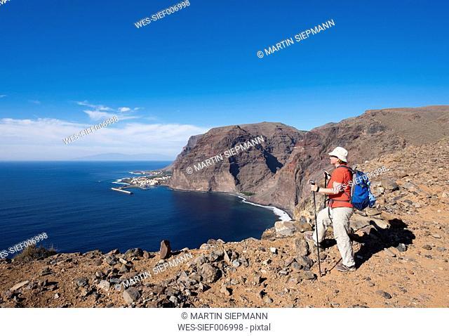 Spain, Canary Islands, La Gomera, Valle Gran Rey, Lomo Gerian, female hiker