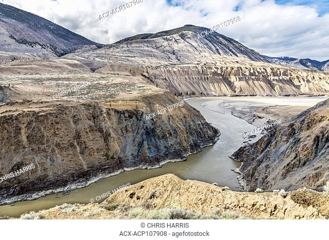 Canada, British Columbia, Cariboo Chilcotin region, grasslands, Fraser River, Fraser River Canyon, summer, landscape, water, river, scenic, horizontal