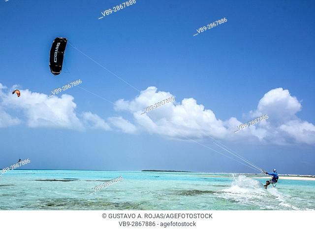 kite surfer navigation los roques venezuela