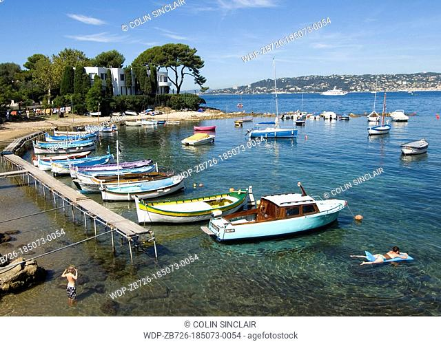 Cap dAntibes, small harbour, French Riviera, family fun