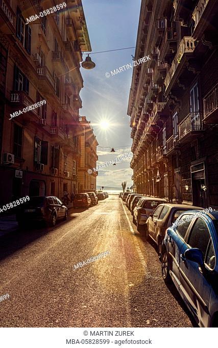 Back light, streets scene in Naples, Italy, Kampanien, Naples