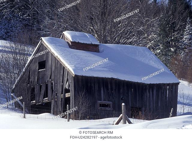 sugarhouse, Vermont, VT, Snow-covered sugarhouse in East Corinth in the winter