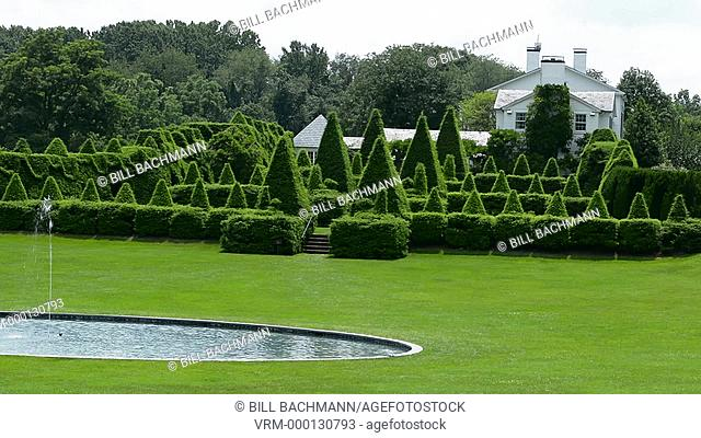 Ladew Toptary Gardens Maryland beautiful sculptured plants Pink Garden gardens and flowers for tourist