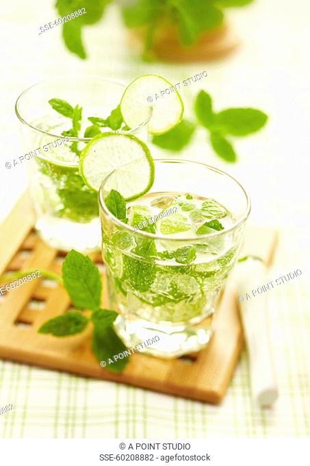 Glasses of mojito with fresh mint